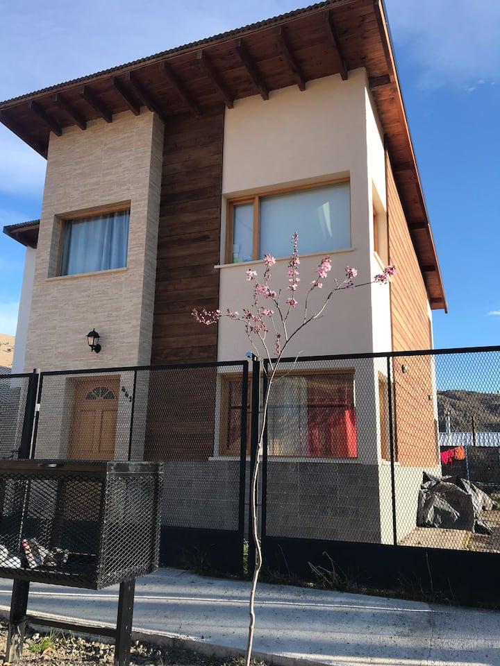 Casa de 3 dorm. 15km de La Hoya  y 4km del Centro