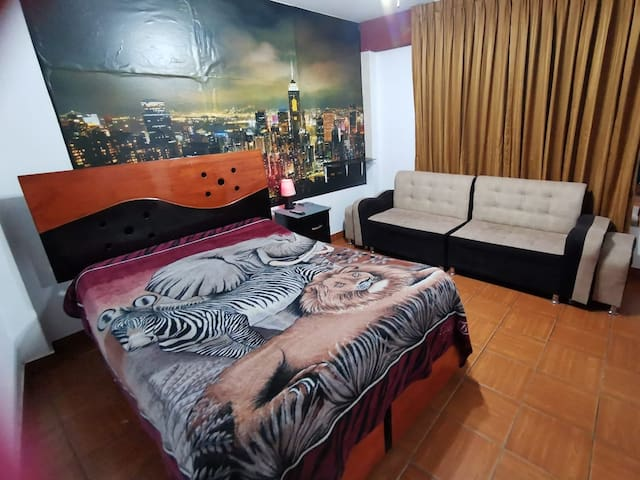 Full equiped apartment 20 mins to the airport!