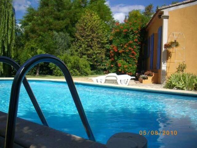 """Villa """"Les Cigales"""" - Salernes - Villa"""
