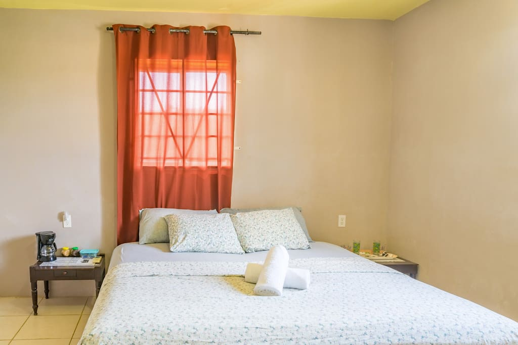 Bedroom: the King bed