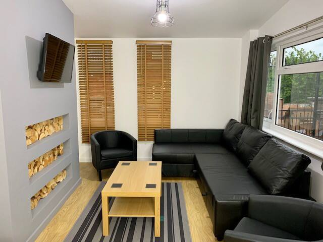 WHOLE APARTMENT (sleeps 6) *****
