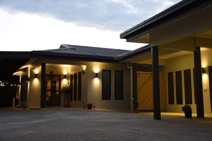Awesome Home, Awesome Family! - Nadi - Huis