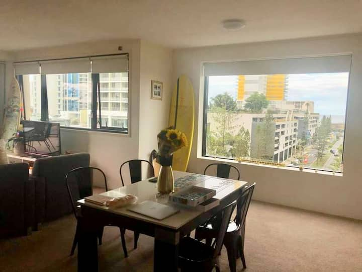 Private room in the heart of Broadbeach (Mantra)