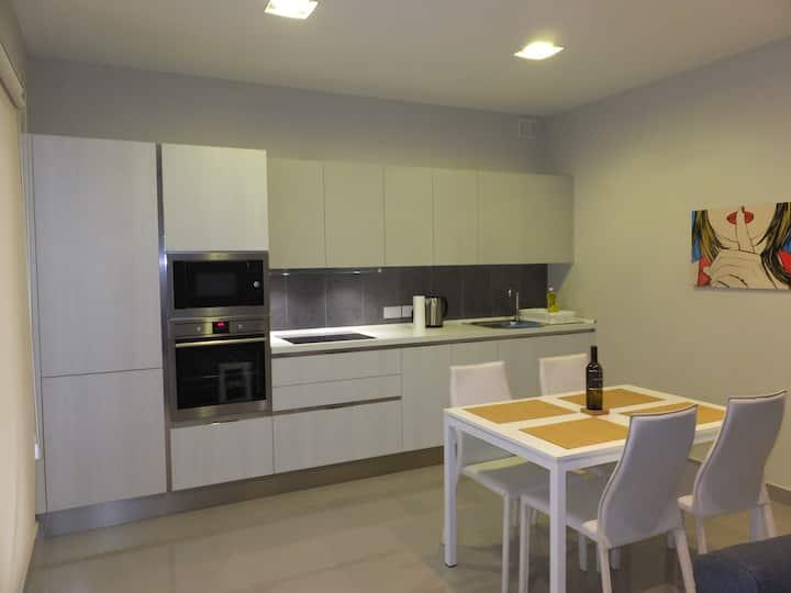 Luxurious 2 bedroom apartment St Julians