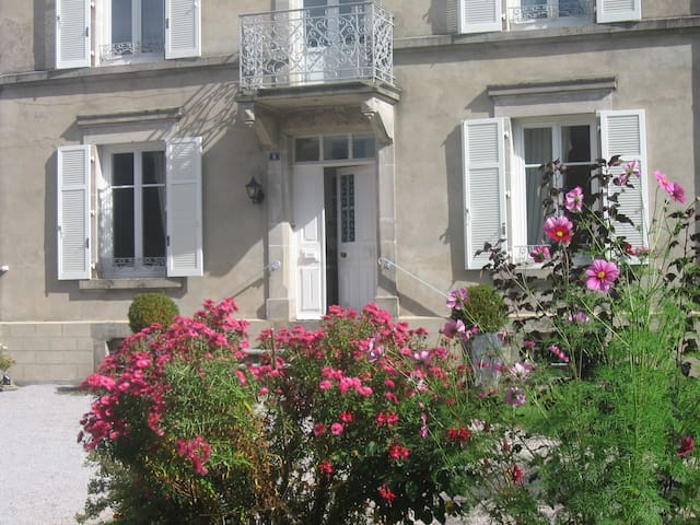 Spacieuse maison de maître de charme - Le Val-d'Ajol - Дом