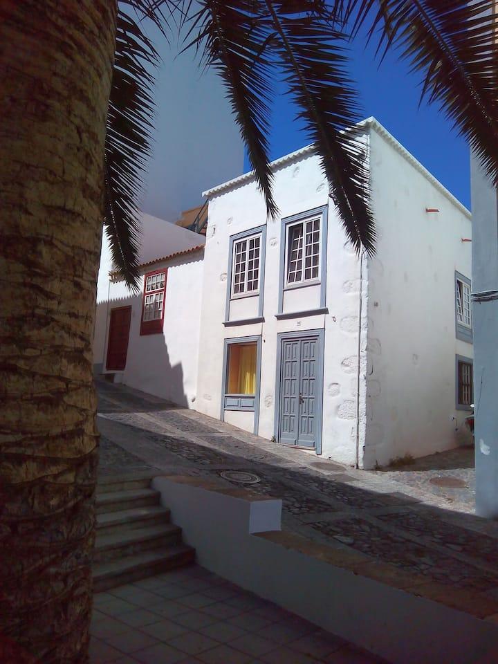 Centrally located masterstudio 13 Baltasar Martín