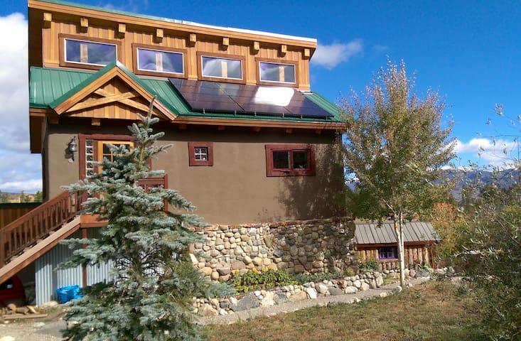 Cozy Mountain Eco Home