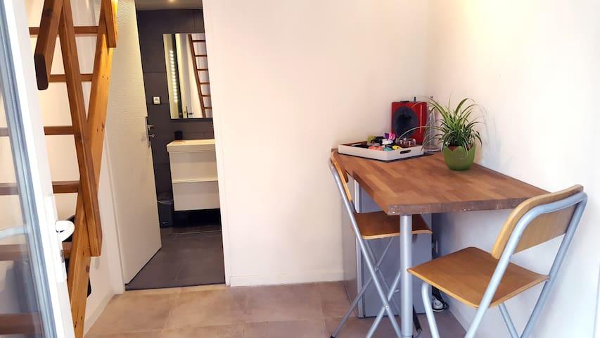 Studio moderne avec terrasse - Vitrolles - Departamento