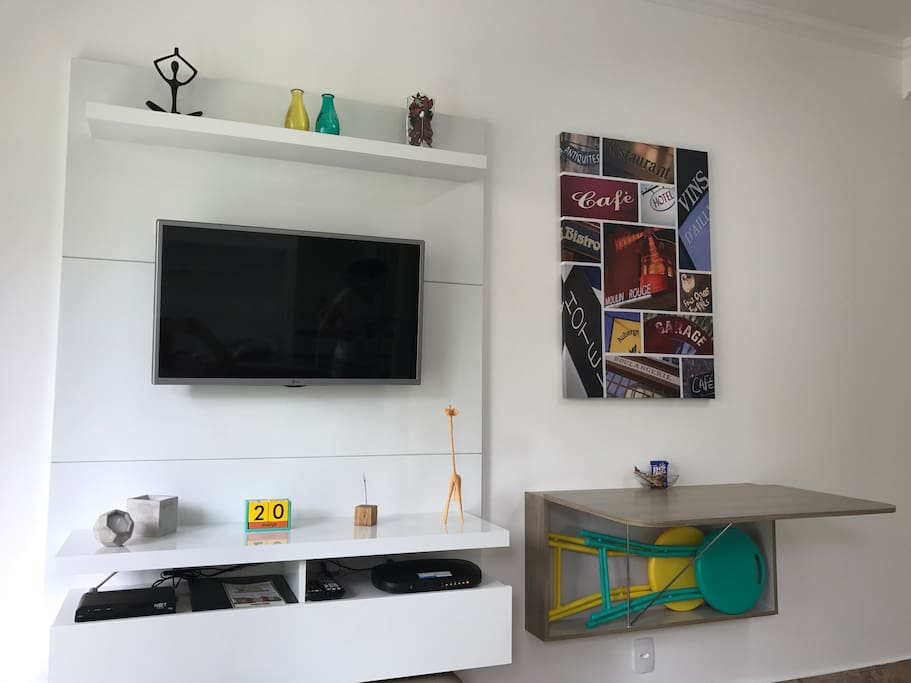 Stúdio novo e excelente - sala/New and excellent Studio - living room