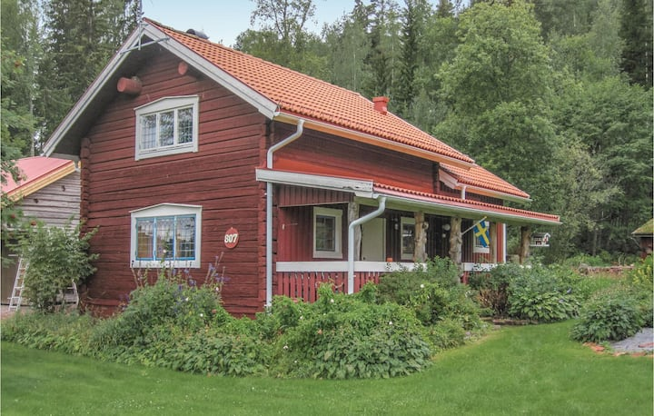 Awesome home in Älvdalen with Sauna, WiFi and 2 Bedrooms