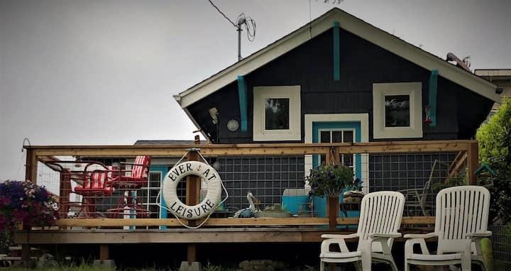 EveratLeisure Beach Cottage(Dog Friendly)