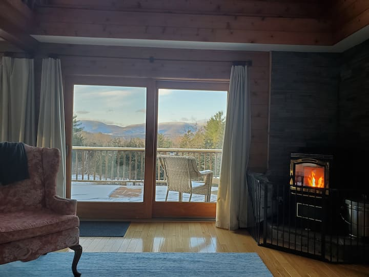 Mountain View Hideaway AC, Grill, Deck, Firepit