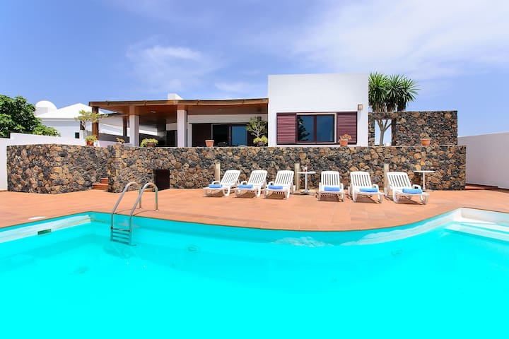 Air-Conditioned Villa On the Beach with Pool, Terrace, Sea Views & Wi-Fi; Parking Available
