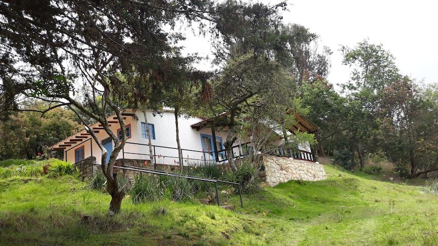 Bella casa soleada en Suesca, Guita. Hermosa vista