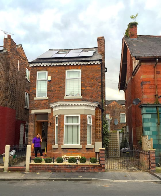 The smartest House in the Area :) LOOK - Solar Panels!
