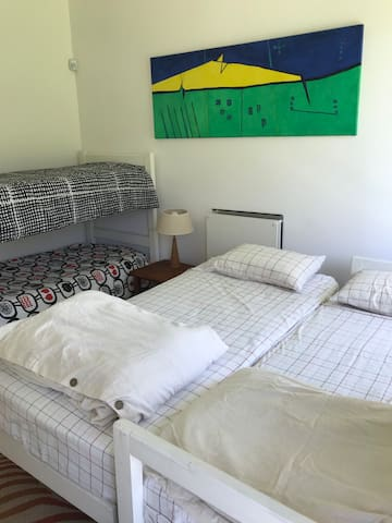 habitación 2 casa 2 (4 camas)