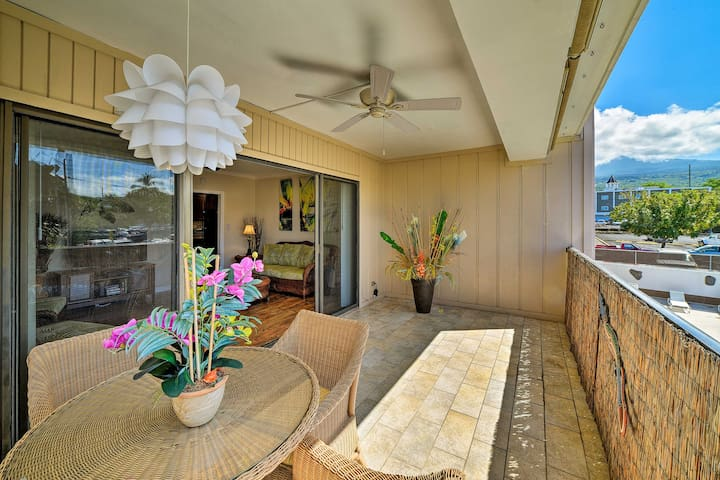 Downtown Kailua-Kona Condo w/AC Walk to Beach/Bars