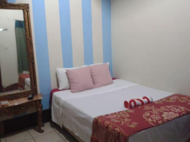 Comfortable private room - León - Bed & Breakfast