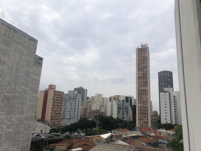 Para Solteiros ou Casal no Centro de São Paulo!