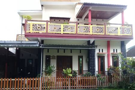 Homestay Syariah Cempaka Batu - Three Bedroom