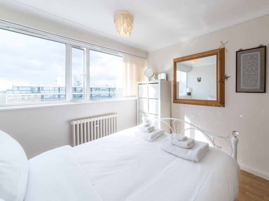 Make yourself at home in my lovely 2 bed apartment, with views of the river!