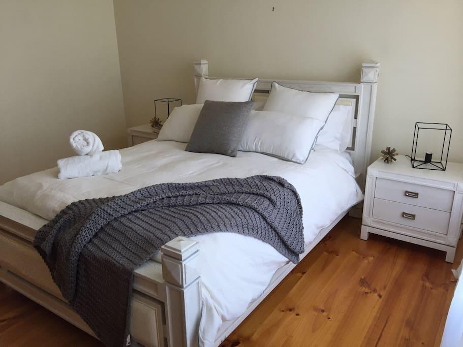 Second bedroom, comfortable luxury bed