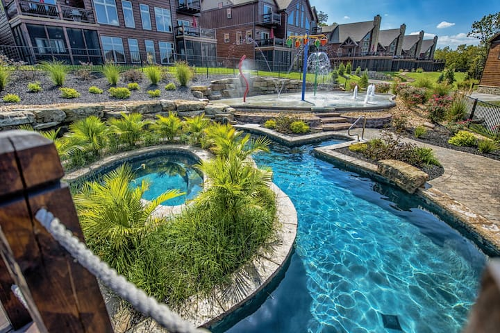 WaterMill Cove Luxury Lakefront Villa-By Silver Dollar City-Theatre Room-POOL