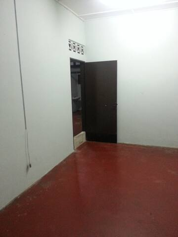 Budget Room For Rent In Kuantan, Pahang, Malaysia