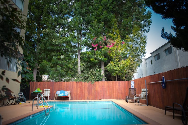 Classy Encino Apartment ** Monthly Rental **