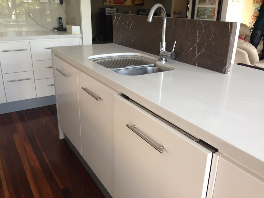 Marble and Caesarstone finishes in kitchen