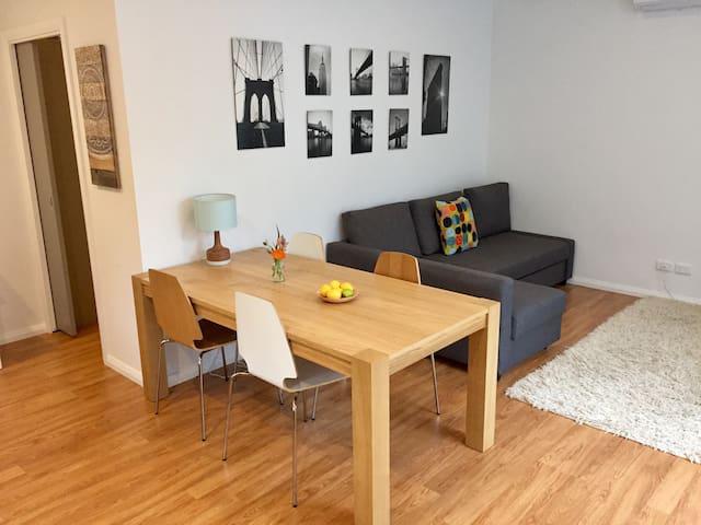 Stylish Adelaide-fringe guesthouse