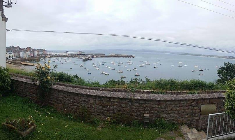 Chambre bleue sur le port du Rosmeur - Douarnenez - Casa