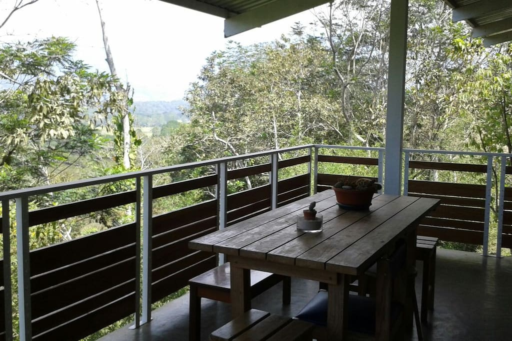 Have breakfast in nature with incredible views