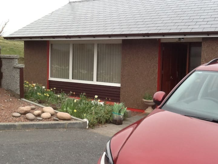 Lovely 3 bed house in Brae, quiet central location