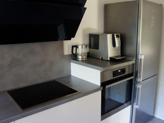 Küche Espresso Maschine u. Wasserkocher