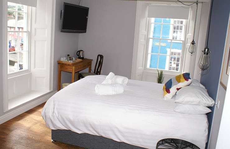Castle Hotel Aberaeron - Aberaeron - Bed & Breakfast