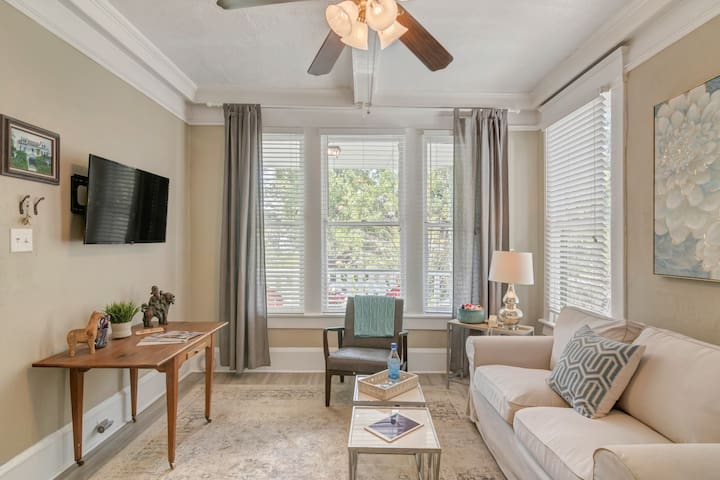 Relax In Your Key West-Style Apt Near The River!