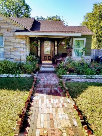 Beautiful 3 BR close to Downtown Fort Worth