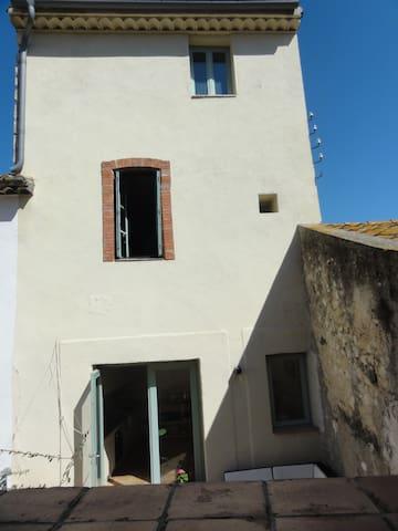 maison familiale coeur du  village - Peyriac-de-Mer - Hus