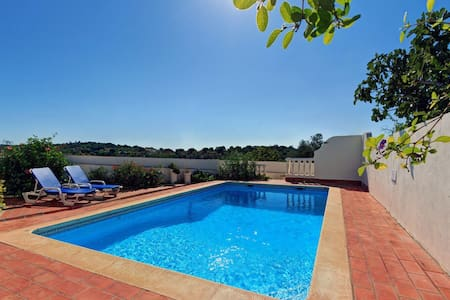 Lovely hilltop villa near Boliquieme. Private pool - Boliqueime