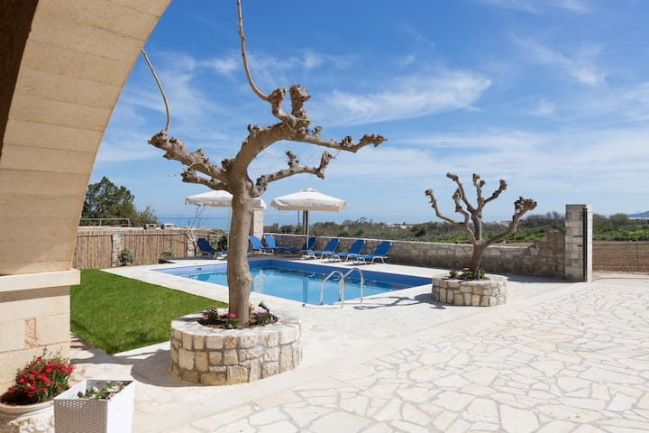 Villa Pinelopi - 350 meters away from sandy beach! - Chania - Villa
