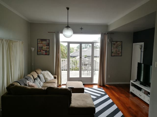 Beautiful house in convenient location - Auckland - Huis