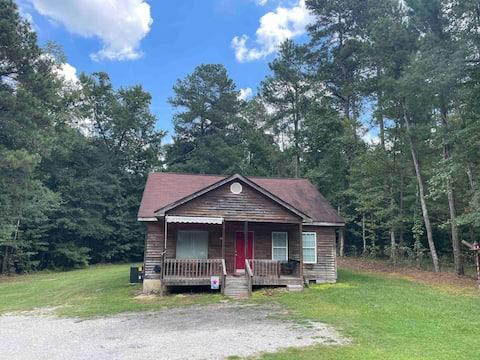 Peaceful Cottage Near Fort Gordon