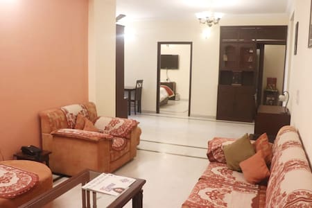 ★3BHK★Centrally Located Independent Apartment★