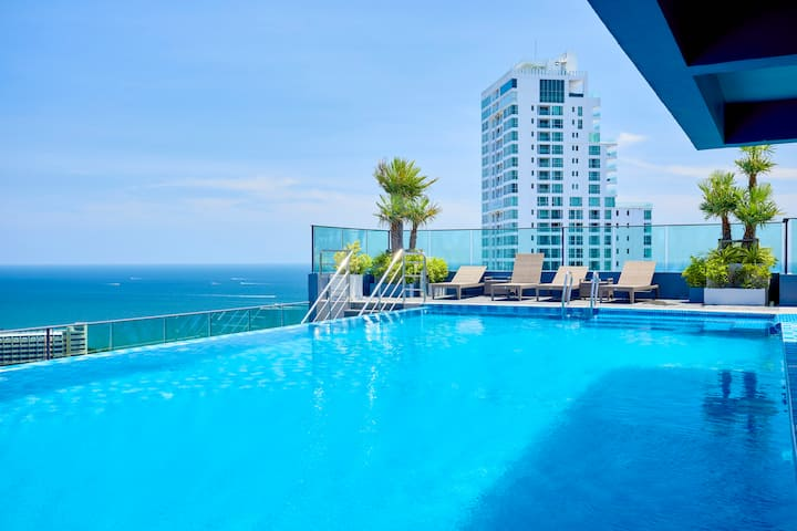 The Point,studio with 2 top roof pools!!!!