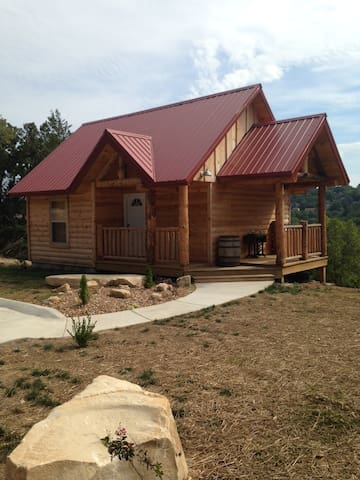 """Antlers Lodge"" Private Cabin - Branson - Cabin"