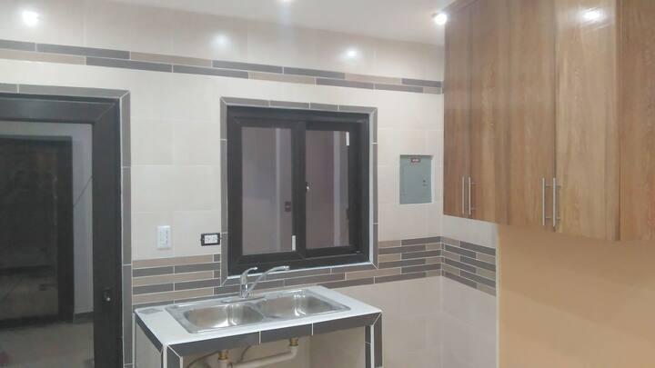 Alojamiento nuevo, bonito, práctico y seguro.