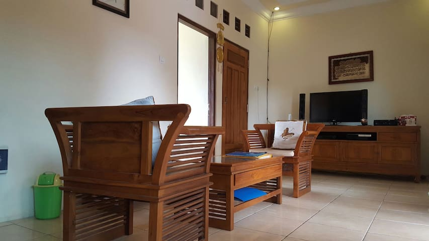 Nice Backpacker dormitory Borobudur