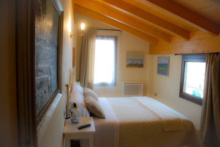 "Art Gallery B&B Camera ""Lago"" -  Lonato del Garda - Bed & Breakfast"