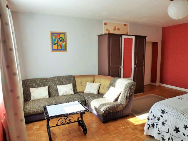 Chambres d'hôtes en suite parentale 6-8 pers. B&B - Les Cerqueux-Sous-Passavant - Oda + Kahvaltı
